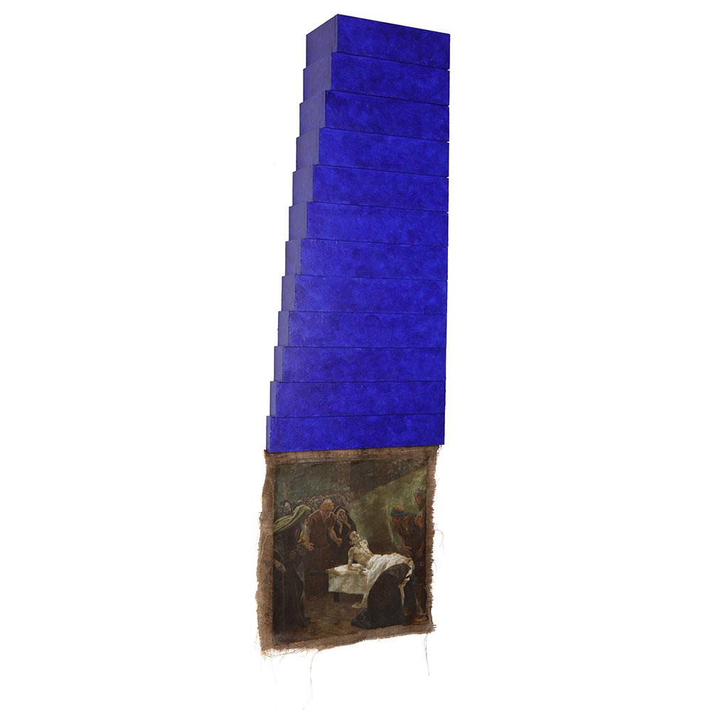 "Aus dem Zyklus ""Das Jesus-Projekt"": Holzobjekt lackiert, Reproduktion auf Nessel, 1996–2002, 180 x 60 cm"